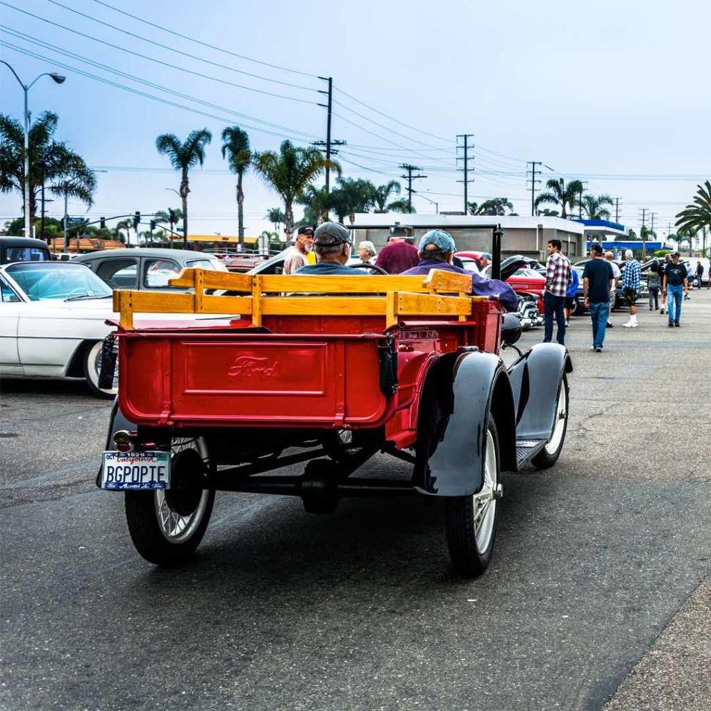 Huntington Beach Classics DONUT DERELICTS Anti Attitude - Huntington beach car show